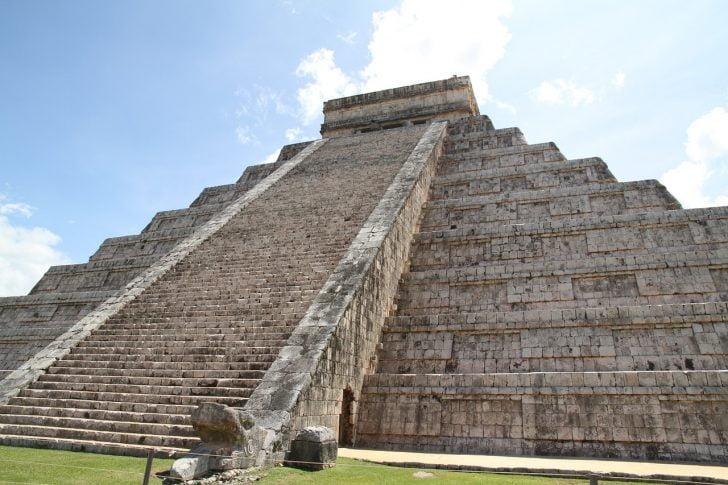 pyramid-1093922_1280