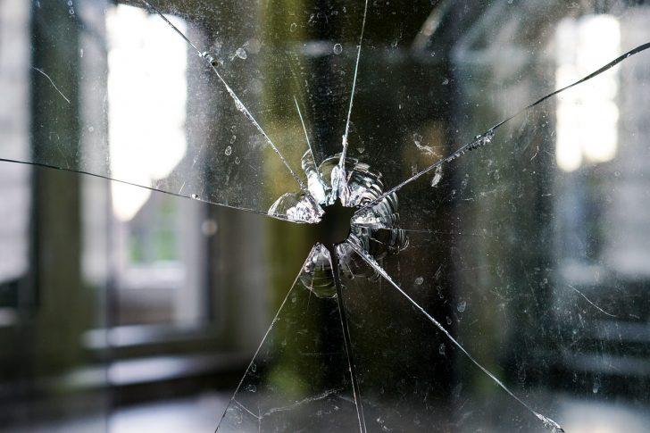 glass-1497229_1280